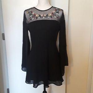 Forever 21 Floral Detail Dress Size Medium